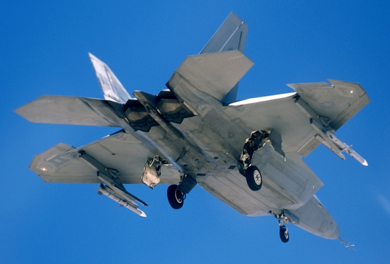 F-22A with AIM-120C